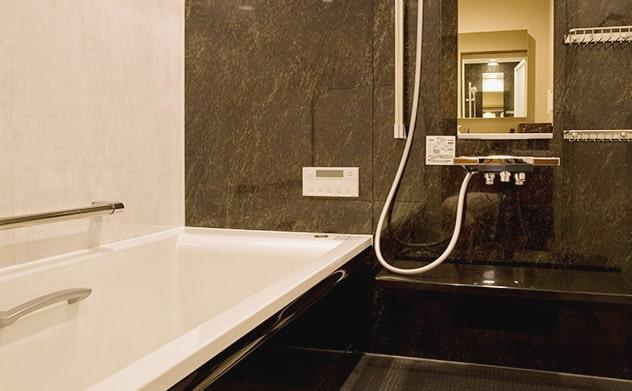 浴槽、シャワー完備のお風呂